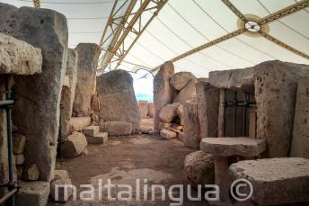 Történelem előtti templomok Ħaġar Qim-ban