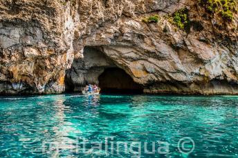 Tengerkék víz a Blue Grotto-nál, Máltán