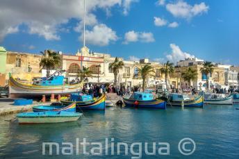 Hajók egy halászfaluban Máltán