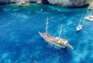 Iskolai hajókirándulás a Crystal Bay-be (Málta)
