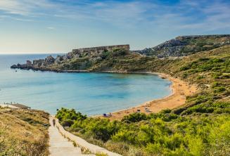Mellieha homokos strandja, Máltán